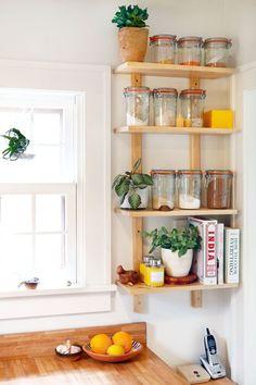 20 Best DIY Kitchen Upgrades - Home - Interior design - Shelves Compact Kitchen, New Kitchen, Kitchen Decor, Kitchen Ideas, Kitchen Corner, Kitchen Rack, Kitchen Small, Order Kitchen, Corner Pantry