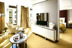 Mandarin Oriental beautiful room #Paris via mybeautifulpari.com