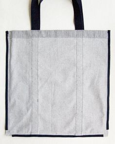 Molly's Sketchbook: Railroad Tote - The Purl Bee - Knitting Crochet Sewing Embroidery Crafts Patterns and Ideas! Bag Pattern Free, Bag Patterns To Sew, Sewing Patterns, Denim Tote Bags, Diy Tote Bag, Diy Fashion Hacks, Purl Bee, Tote Tutorial, Small Sewing Projects