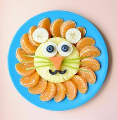 Lion Fruit Plate food design and styling Cute Snacks, Cute Food, Kid Snacks, School Snacks, Funny Food, Party Snacks, Food Art For Kids, Art Kids, Healthy Toddler Snacks