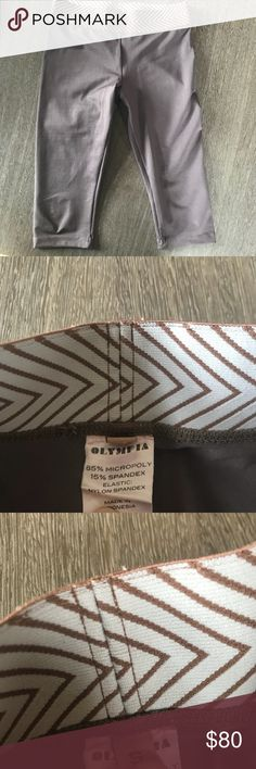 Olympia Activewear brown cropped legging sz Small In great condition. Worn a few times but no specific signs of wear. Size small. Cropped style. Inseam-14 1/2. Brown/taupe color. No trades please. Olympia Activewear Pants Leggings