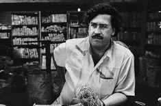 Pablo Emilio Escobar, Escobar Film, Van Gogh, Birthday Gifts For Boyfriend Diy, Gangster S, Military Insignia, Mafia, Trump, Boobs
