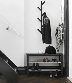 Simples e funcional. #decoração #hall #entrada #IKEAPortugal