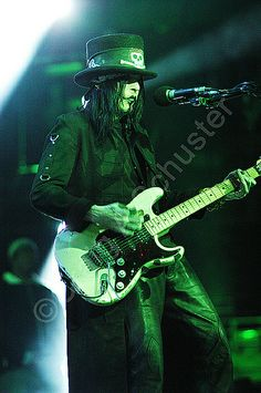 One of the most under rated guitarists! Mr Mick Mars.