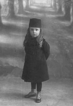 Ottoman Princess Old Pictures, Old Photos, Vintage Photos, Turkey History, Islam, Evolution Of Fashion, Old Photography, Falling Kingdoms, Sinbad
