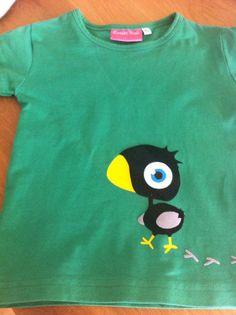 T-shirt gekke vogel. Gemaakt van flock- en flexfolie. Http://kiekielot.blogspot.nl
