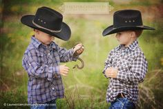mackay boys portraits with garter snake and cowboy hats