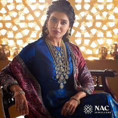 Latest Necklace Designs That Are Trending This Year Saree Blouse Neck Designs, Kurta Designs, Blouse Designs, Unique Prom Dresses, Indian Dresses, Indian Outfits, Sonam Kapoor, Deepika Padukone, Samantha Images