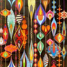 Pingentes em cores  Meus olhos saudosos  Refletem os amores    Texto: Libertária  Imagem: Rex Ray