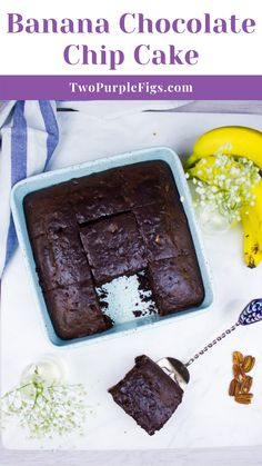 This Banana Chocolate Chip Cake or Chocolate Banana Bread is everything you dream about. Imagine a rich, moist, chocolate cake with a hint of banana flavor and lots of chocolatey bursts from the chocolate chips. Easy Homemade Cake, Homemade Cake Recipes, Delicious Cake Recipes, Best Cake Recipes, Tart Recipes, Chocolate Banana Bread, Chocolate Recipes, Chocolate Chips, Chocolate Cake