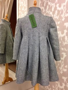 Baby Girl Dress Design, Baby Girl Dresses, Girl Outfits, Sewing Kids Clothes, Doll Clothes, Elegant Dresses, Cute Dresses, Childrens Coats, Winter Kids