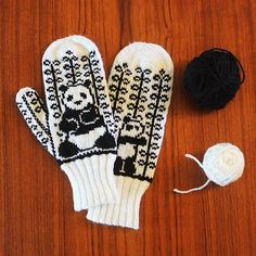 Ravelry: Reverse Panda Mittens pattern by Rebecca Tsai Mittens Pattern, Knit Mittens, Knitting Socks, Crochet Panda, Knit Crochet, Knitting Charts, Knitting Patterns, Panda Socks, Half Gloves