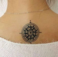 The Best Compass Tattoo Designs, Ideas and Images with meaning and drawings. Compass tattoos inspirations are beautiful for the forearm, wrist or back. Tattoo Girls, Small Girl Tattoos, Fake Tattoos, Body Art Tattoos, Sleeve Tattoos, Real Tattoo, Small Compass Tattoo, Compass Tattoo Design, Best Compass