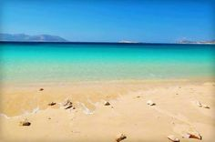 Italida beach in Koufonissi (Small Cyclades) ~ Greece Beautiful Islands, Beautiful Beaches, Beautiful World, Places To Travel, Places To See, Myconos, Places In Greece, Another Day In Paradise, Greece Vacation
