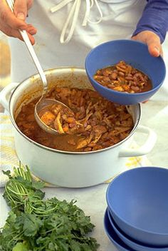 CHICKEN AND PINTO BEAN CHILI  *Stockpot. http://www.finecooking.com/recipes/chicken_pinto_bean_chili.aspx