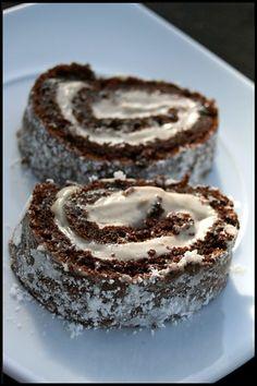 Gâteau roulé au chocolat et crème à la purée de châtaignes Christmas Pudding, Pudding Recipes, Creme, Cheesecake, Desserts, Puddings, Drink, Pudding Recipe, Tailgate Desserts
