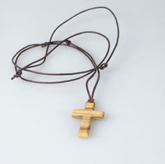 Halskette - Olivenholz & Kreuz länglich | Religiöse-Geschenke.de