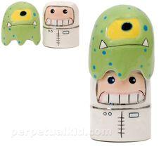 Alien/astronaut salt and pepper shakers
