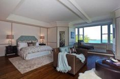 Master Bedroom - Oprah's - Again, the views and the windows are wonderful