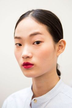 Pastel lips and the easiest smoky eye ever.