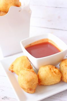 Homemade Sweet and Sour Chinese Chicken Balls - Six Time Mommy and Counting… Homemade Chinese Food, Easy Chinese Recipes, Homemade Sweets, Asian Recipes, Authentic Chinese Recipes, Poulet General Tao, Sweet Sour Chicken, Orange Chicken, Homemade Egg Rolls