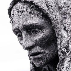 Statue from the Famine Memorial in #Dublin #Ireland #faminememorial #rowangillespie #statue #monochrome