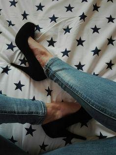 Nové pouze odeslané cedulky a krabici už nemám. Nevynosim jen mi leží v botníku Neměním Poštovné 70,-  #černélodičky #lodi...