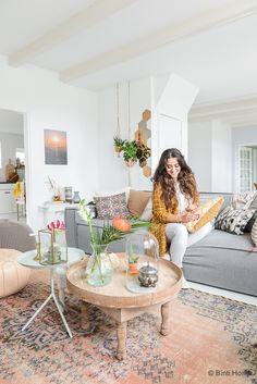 Productcredits : Kleur op de wand LO.05.75 Flexa, Spiegel rechts Ikea, Spiegel links 33Rue Majorelle Marrakech, Vaasje mint Hella Duijs, Karaf Binti Home Shop Zoals jullie al weten hou ik erg van b…