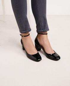 Ces chaussures sont à porter avec un jean flare ou avec un tailleur pour allure très féminine