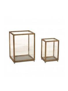 Vitrinekast van hout en glas klein