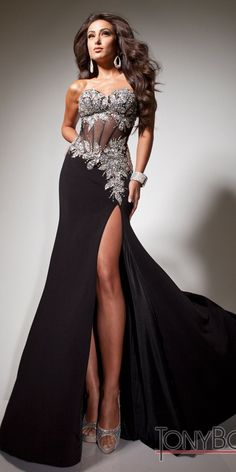 A sheer corset style bodice is a subtle and sexy way of showing off your inner goddess. #tony #bowls 113737 - $450