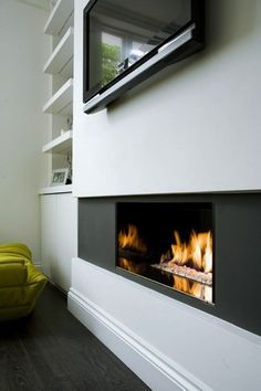 Notting Hill House Interior by Staffan Tollgard Design Group Tv Over Fireplace, Fireplace Inserts, Modern Fireplace, Fireplace Wall, Best Interior, Modern Interior Design, Soho Beach House, Front Rooms, House On A Hill