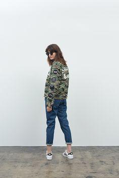 140728_STUSSY_WOMEN_JAPAN_LOOKBOOK_33.jpg (500×750)