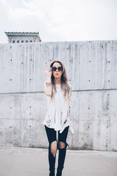 25 Cute Outfit Ideas for Spring 2015, super cute outfit photos for fashion inspiration, perfect for spring! I'm back with another amazingly cute outfit post! Can you believe that this little food blogger's most popular post of all time is a fashion round up?! Who knew, lol! You guys really love these so I'm gonna …
