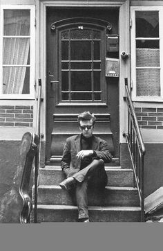 Stuart Sutcliffe, Hamburg, Photo by Astrid.Stuart Fergusson Victor Sutcliffe was a Scottish-born artist and musician best known as the original bass guitarist for the Beatles. Sutcliffe left the band to pursue his career as an artist, having previ Like A Rolling Stone, Rolling Stones, Great Bands, Cool Bands, Das Wunder Von Bern, Stuart Sutcliffe, Les Beatles, We Will Rock You, Musica