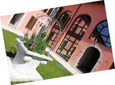 Antico Pozzo – Padenghe sul Garda for information: Gardalake.com
