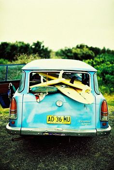 go on a surfing road trip in a really cool blue car (and learn how to surf) Surf Vintage, Vintage Surfing, Vintage Stuff, Summer Fun, Summer Time, E Skate, Surf Trip, Surf Style, Beach Bum