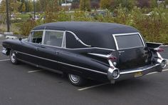 Cadillac Hearses are da BEST. Just look @ them finzzzz