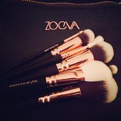 Rosé gold zoeva brushes