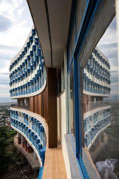 Rio de Janeiro, RJ, Brasil. 04/05/2015; Fotos do conjunto habitacional, Pedregulho, localizado em Benfinca no Rio de Janeiro( Foto: Ricardo Borges/Folhapress ) *** EXCLUSIVO FOLHA ***