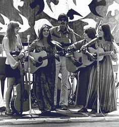 Judy Collins and Joan Baez perform together