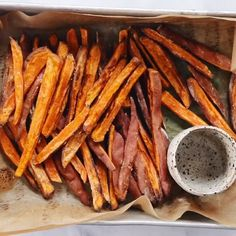 How to make crispy sweet potato fries in 30 minutes! Paleo and sweet potato fries are a healthy side dish or snack. Make these easy sweet potato fries to serve along a salad or soup. Whole30 Sweet Potato Fries, Sweet Potato Recipes Healthy, Crispy Sweet Potato, Paleo Recipes, Cooking Recipes, Cheap Recipes, Healthy Side Dishes, Side Dish Recipes, Healthy Sides