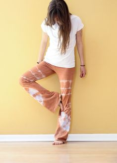 DIY Tie Dye Yoga Pants   arthealthandhappiness.wordpress.com