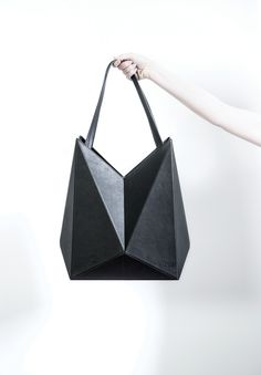 designspeaking - FINELL. THE ARCHITECTURE OF A HANDBAG