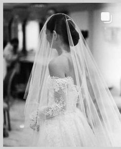 Monique Lhuillier, Mlb, Drop Veil, Traditional Gowns, Couture Looks, Veil Hairstyles, Sheer Beauty, Wedding Gowns, Long Wedding Veils