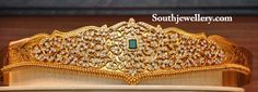 Stunning uncut diamond pachi work vaddanam studded with emerald at the center. Kids Gold Jewellery, Indian Jewellery Design, Latest Jewellery, Jewelry Design, Gold Jewelry, Diamond Jewellery, Gold Necklace, Silver Anklets Designs, Gold Bangles Design