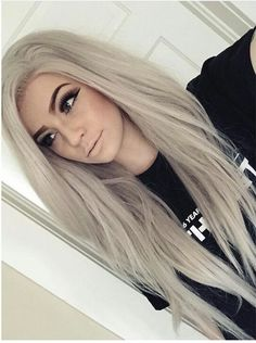 I love the hair, but the make-up is right - Frisuren - Long White Hair, Platinum Blonde Hair, Pinterest Hair, Hair Game, Silver Hair, Hair Dos, Gorgeous Hair, Pretty Hairstyles, Dyed Hair