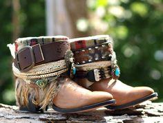 Tribal upcycled RETRAVAILLÉ bottes vintage boho Santiags - boho personnalisé Festival gitan de bottes bottes bottes de paysan embelli