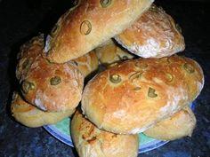 Ciabatta s černými olivami recept - Labužník. Ciabatta, Rolls Recipe, Bread Recipes, Hamburger, Pizza, Food And Drink, Favorite Recipes, Cooking, Detail