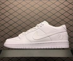 factory price a3949 9cdb7 Nike SB Zoom Dunk Low Pro Decon QS Pure White Men s Size 854866-111